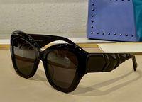 Gafas de sol cuadradas de ojo de gato 0808 Lente gris negra Sonnenbrille Occhiali Da Suela Firmati Mujeres Moda Gafas de sol Gafas de sol UV Eyewear con caja