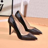 الكلاسيكية النساء الأحذية الصنادل الأزياء شاطئ سميكة أسفل النعال الأبجدية سيدة الصنادل جلدية أحذية عالية الكعب الشرائح من home011 002