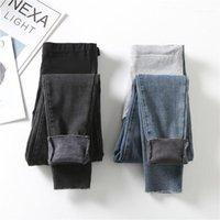 2021 Invierno espesado Cálido Velvet Denim Maternity Jeans Cintura Alta Pantalones de vientre ajustables para mujeres embarazadas Pantalones de embarazo1