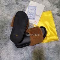 Clásicos de primera calidad Sandalias Sandalias Moda Slippers Diapositivas Furry Vamp Fluff Carta Flip Flops Mujeres Zapatos Rayas Playa Causal Slipper Hogar con caja