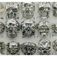 الجملة الكثير أعلى 50 قطع خمر الجمجمة منحوتة السائق الرجال الفضة مطلي خواتم J WMTFRT NEW_DHBEST