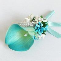 Pins, Broschen künstliche Calla Flower Corsage Bräutigam Vater Freund Hochzeitsfest Boutonniere Prom Brosche Revers Pin Blumen Dekoration1