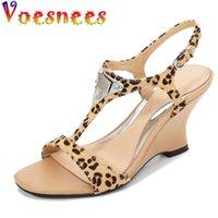 샌들 Voesnees 2021 여성 패션 레오파드 프린트 웨지 여성 하이힐 7 / 10cm 오픈 발가락 이상한 스타일 여성 신발