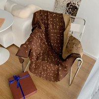 Sınırlı Sayıda Luxurys Tasarımcılar Işık Kahverengi Sıcak Battaniye Sonbahar Kış Kalınlaşmak Kürk Battaniye Ofis Uyuyan Şal Kadın Emici Kanepe