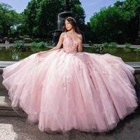 Elegant Pink Lace Appliques Ball Gown Quinceanera Dresses 2022 Sexy V Neck Plus Size Sweep Train Blackelss Formal Prom Party Gowns Sweet 16 Dress vestidos de 15 años
