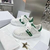 Yeni Rahat Spor Board Ayakkabı, Kalın Tabanlı Tüm Maç Beyaz Ayakkabı, El Yapımı Shoelace Ayakkabı Kutusu ve Toz Çantası