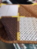 Multi-Muster-Schal-Reise-Spirit und Muster-Fusion-Buchstaben Blumenelemente in der zentralen Designgröße von 90 * 90cm gesammelt