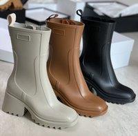 Женщины Betty Beeled Boots Rainboots High Cable Водонепроницаемый дизайнер Boot Boot PVC резиновый дождевой водой обувь колено высокий новый дизайн NO327