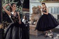 Sexy Vestidos de novia de longitud de té gótico negro 2021 V cuello en V paisano tul ruchado vestido de novia barato vestido de novia vestidos de novia