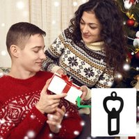 Portable Bottle Opener Keychain for Men Bottle Opener Key Ring Seat Belt Clips for Adults Universal Seat Belt Buckle OWD10553
