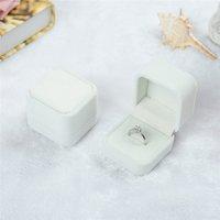 2021 السائبة 12 اللون المخملية مجوهرات هدية صناديق لخواتم الزفاف الاشتباك زوجين مجوهرات التعبئة والتغليف مربع عرض حالة مربع 55 * 50 * 43 ملليمتر