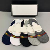 5 paires / boîte Hommes Femmes Chaussettes Abeille Motif Bateau Chaussettes de mode Sport Chaussettes de sport avec boîte 5 couleurs différentes