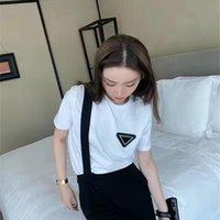 Moda Mulheres Camisetas Com Letra Budge Summer Respirável Tees Outwear Tops Unisex Tshirts Mangas Curtas Clássicas