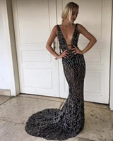 2019 New Black Full Bead Mermaid Evening Gowns Sheer V Neck Prom Dress Long Cutaway Sides Party Dresses