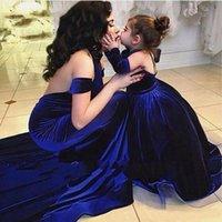 Girl's Dresses Royal Blue Mother Daughter Ball Gown Girls Party Pageant Dress Detachable Long Sleeves Velvet Winter Flower Girl