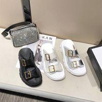 Pantoufles Plate-forme Véritable Cuir Femme Summer Beach Sport Sport Sport Sport Luxury Designer Shoes Shoes Love Myun