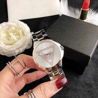 Mode Marque Femme Girl Crystal Triangle Quers Style Style Steel Metal Band Montre Montre GS35
