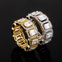 Hip Hop 2021 Top Sell Wedding Rings Vintage Fashion Jewelry 18K White Gold Fill Emerald Cut Topaz CZ Diamond Party Eternity Women Engagement Band Ring For Lover Gift