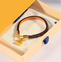 Luxuriöse Qualität Punkarmband mit Pad Lock Anhänger und Echtes Leder 18 Karat vergoldet Frauen Engagmen Schmuck Geschenk Freies Verschiffen PS8240