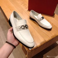 웨딩 신발 남성 우아한 공식 신발 남성 남성을위한 우아한 브랜드 럭셔리 특허 가죽 신발 이탈리아 coiffeur 큰 크기 갈색 드레스 보나