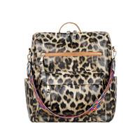 2021 Womens Crocodile Hourglass Pattern French Niche B- Pink Handbags Bag Messenger Shaped High-Grade Bewtt
