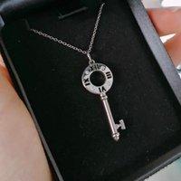 Collares colgantes WPB 100% 925 de alta calidad Original 1: 1 Logo Shining Hollow Roman Key Necklace TIF Joyería de Lujo Marca Mujer Tendencia