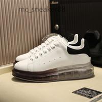 McQueen Erkekler Kadınlar Yüksek Kalite Platformu Eğlence Ayakkabı Tasarım Sneakers Lusso Moda Hakiki Deri Severler Elbise Rahat Ayakkabı Tasarım Ayakkabı
