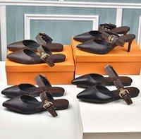 Donne Dress Shoes Letter Tacchi tacchi corti in pelle Pantofole da donna Pantofole in oro argento Pompe da donna Scarpe da donna Party Scarpe da sposa Sposa con talloni Shoe10 01