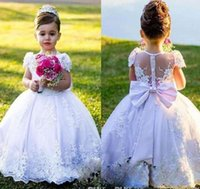 2022 Country Flower Girl Dresses Bow Back White Ivory Ball Gown Jewel Cap Sleeves Floor Length Girls Pageant Dress With Lace Applique Gowns Wedding Party Tutu Skirt