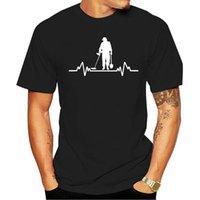 T-shirt del detectorist del cuore del rilevatore del metallo