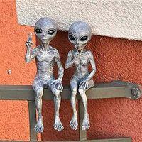 Alien Garden Resin Statue Meditating Alien Art Statue Sculpture Ornament Indoor Outdoor Decoration Garden Extraterrestrial Decor Y0914