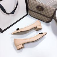 Heißer Verkauf - Frauen sexy Klassische Fliege Bienen Sandalen Frauen Sommer Designer Kleid Schuhe Leder Sexy Chunky Damenschuhe