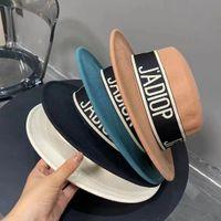 Designer Cap Autunno e inverno nastro in lana di lana da donna British Versatile Lettera Tweed Top Jazz Hat Moda