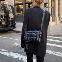 2021 SS Signore Borse a tracolla Borse intrecciata Borsa frizione Luxurys Moda Borse a maglia da lavoro Famoso Designer Caviale Borsa Designer Lady Crossbody Trapunted Shappy Bag