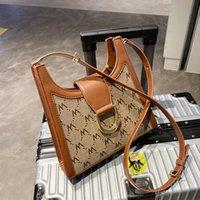 Shoulder Bags Niche Design Autumn Bag 2021 Female Ins Messenger Fashion Retro Underarm Width: 21cm
