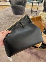 Handbags Fend Women Luxurys Designer Bag 2021 First Series Metal Wrapped Dinner Bag Handbag Single Shoulder Messenger Bag Ll