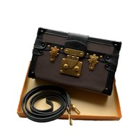 브랜드 디자이너 미니 트렁크 여성 Petite Malle Box Crossbody 가방 빈티지 하드웨어 카메라 지갑 어깨 가방 남자 Volga 스트랩 산화 가죽 클러치 M69688 44199