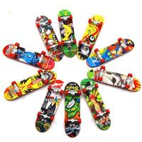 9.5cm 인쇄 전문 합금 스탠드 손가락 장난감 미니 스케이트 보드 아이들을위한 선물