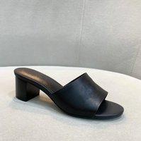 Luxo Watch Brown Studded Sandálias de Salto Alto Corrente De Metal Decor Sandálias Gladiador Mulheres Desenhista High Saltos Party Shoes Woman Slids