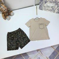Tasarımcı Çocuklar Kısa Kollu + Şort Setleri Çocuk Güneş Kremi Takım Elbise Kahverengi Renk Marka Giyim Pamuk Tees Boyutu 100-150