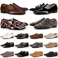 Kırmızı Dipli Loafer'lar Ayakkabı Günlük Chaussures Erkekler Siyah Kahverengi Süet Rugan Perçinler Glitter Moda Loafer Erkek Elbise Düğün Parti İş Eğitmenleri Boyut 39-47