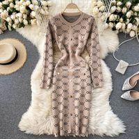 Strickpullover Kleid Frauen Herbst Winter Neue Mode Retro Rundhals Jacquard Enge Paket Hüfte Vestidos 210222