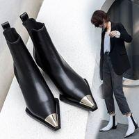 2020 Doğal Hakiki Deri Çizmeler Kadınlar Metal Sivri Burun Bayanlar Ayak Bileği Çizmeler Kadın Kare Topuklu Bahar Sonbahar Ayakkabı Botas Mujer Westne Q171 #