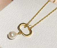 Collar de perlas de oro para mujeres Diseñadores de lujos Joyas para hombre Diamond Colants Collares de latón de alta calidad con pendientes Pulseras Fiesta