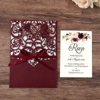 1 unids azul marino, borgoña, blanco, color dorado Nuevo Llegada Láser Corte Invitaciones de boda con cinta de perla, tarjeta RSVP, personalizable
