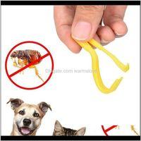 2 ШТ. / Набор Пластиковый портативный крючок Tick Twister Remover Hook Hourse Hourse Cat Cat Cat Dog Pet Saceates Tick Remover Tool Flaea Hook Ivuai Zp0hi