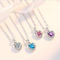 Chaînes Sterling Silver Femmes Collier couleur Embelli avec des cristaux de l'amour Coeur Pendentif Saint Valentin cadeau