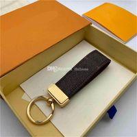 2021 regalos masculinos y femeninos de alta calidad llavero de cuero mejor estilo 10 colores llavero llavero y caja de regalo al por mayor entrega gratuita