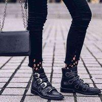 Boots Botas femininas de couro artificial e com fivela metal, bota bico arredondado para inverno, inverno NNL4