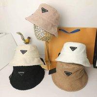 Geniş Ağız Şapkalar 2021 Kadın Şapka Kış Yapay Kürk Sıcak Peluş Kadın Kap Faux Kova Yün Balıkçı Kapaklar Sunscreen Panama Bayan